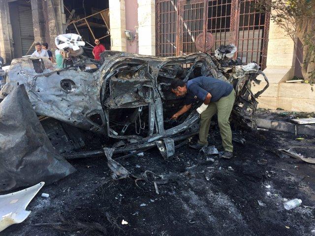 Rebeldes libios manifestándose en Benghazi
