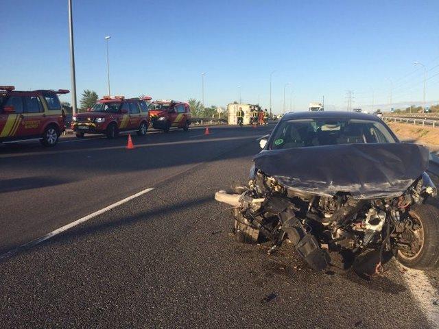 Imagen de un siniestro en el accidente de tráfico en la carretera M-50 de Madrid
