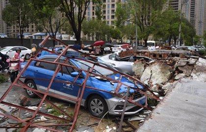 Ascienden a 32 los muertos por el paso del tifón 'Lekima' por el este de China
