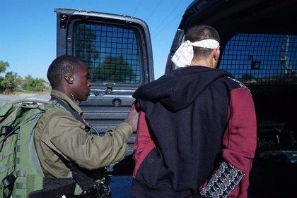 Detenidos dos palestinos bajo sospecha de matar a puñaladas a un militar israelí
