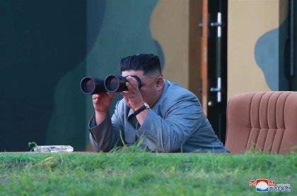 Kim Jong Un supervisó el lanzamiento de dos misiles balísticos hacia el mar de Japón