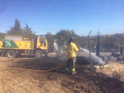 Extinguido el incendio urbano de Aljaraque (Huelva)