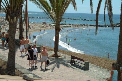 La caída de turistas sitúa a Canarias en niveles de 2016