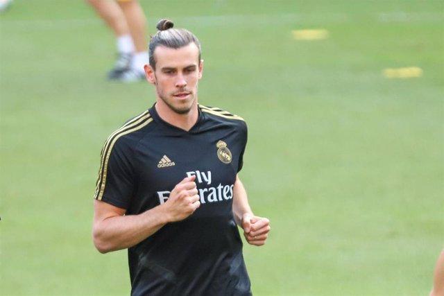 El jugador del Real Madrid Gareth Bale se entrena en el MetLife Stadium antes del derbi con el Atlético