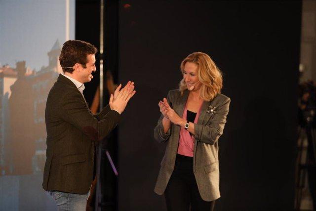 El presidente del PP, Pablo Casado, y la candidata del PPN a la presidencia del Gobierno de Navarra, Ana Beltrán, en un acto electoral