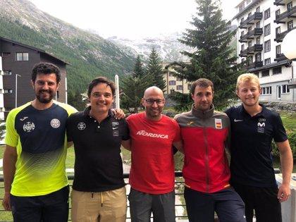 Los mejores entrenadores de esquí alpino de España, entre ellos cinco aragoneses, preparan a deportistas en Suiza
