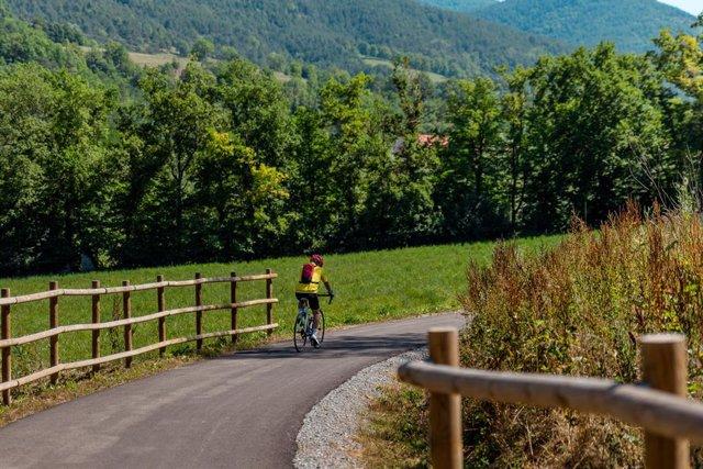 Carretera amb ciclista