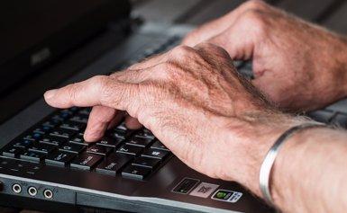 Més de 50.000 barcelonins s'han inscrit als cursos digitals de Cibernàrium en dos anys (PIXABAY/CC/STEVEPB - Archivo)