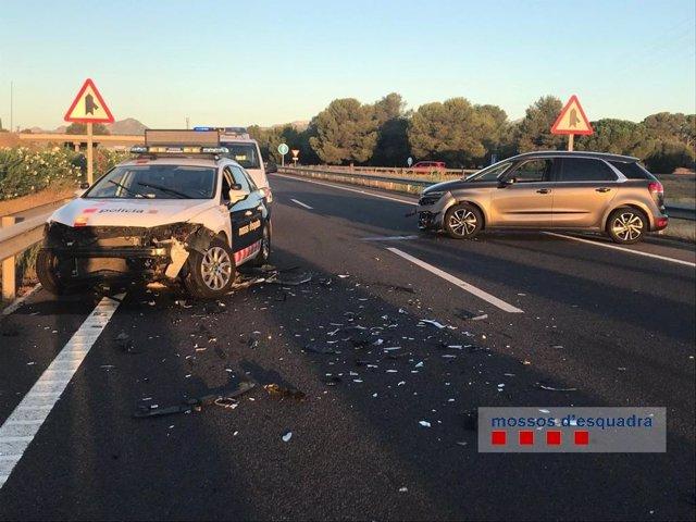 Un detingut per conduir contradirección en l'AP-7 sentit Barcelona a l'altura de Cambrils (Tarragona).