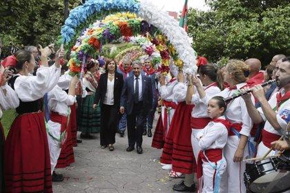"""Revilla llama a conservar la """"marca Cantabria, el mayor activo"""" de la región"""