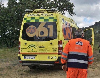 Rescatan en helicóptero a una mujer tras fracturarse una pierna en el barranco de Trevélez, en Órgiva (Granada)
