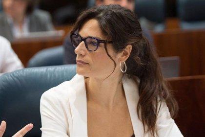 """Clara Serra (Más Madrid) cree que Ayuso podría acabar como sus """"predecesores"""" porque """"sale en los papeles de la Púnica"""""""