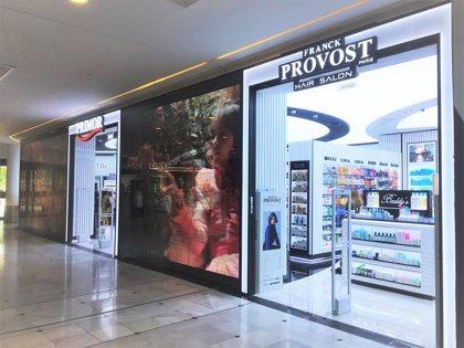 Primor abre en Vallsur una nueva tienda que incluye la peluquería Franck Provost