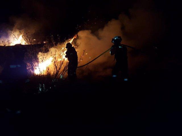 Efectius de la UME participen en les tasques d'extinció de l'incendi de Gran Canària