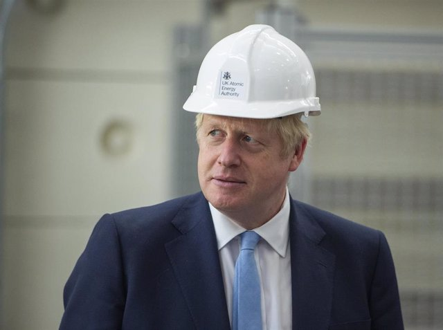 08 August 2019, England, Abingdon: UK Prime Minister Boris Johnson reacts during his visit to the Fusion Energy Research Centre at the Fulham Science Centre. Photo: Julian Simmonds/The Daily Telegr via PA Wire/dpa