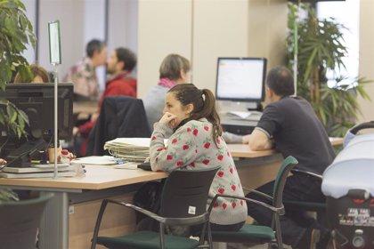 """""""El paro y precariedad siguen empujando a la juventud a la emigración laboral en Asturias"""", señalan desde CCOO"""