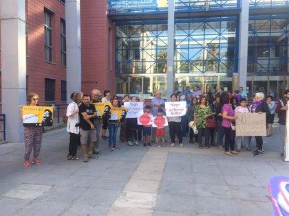 Archivan la expulsión de la hondureña detenida tras denunciar una agresión