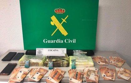 Detenido cerca de Almendralejo cuando transportaba bajo el asiento del coche tres kilos de cocaína