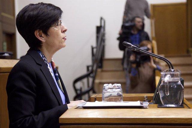 La consejera de Seguridad, Estefanía Beltrán de Heredia, en un pleno del Parlamento Vasco