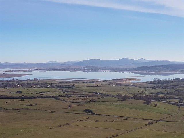 Pantano del Ebro