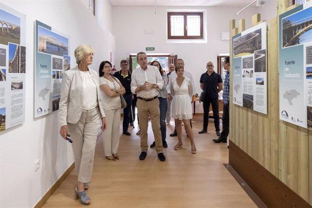 La consejera de Turismo inaugura el Centro de Interpretación de los Puentes en Liérganes