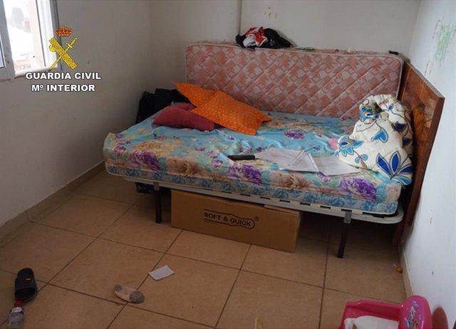 Habitáculo donde estaban retenidas una mujer y su hija en Lorca
