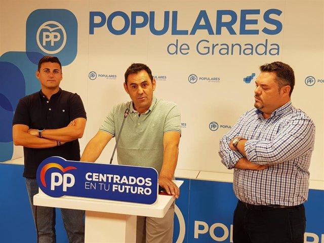 Rueda de prensa del PP para pedir la dimisión del alcalde de Cúllar Vega, Jorge Sánchez