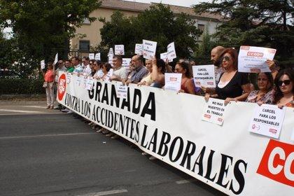UGT y CCOO denunciarán en Fiscalía la muerte de un trabajador al caerle una máquina en Padul (Granada)