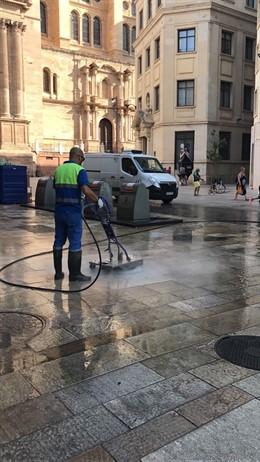 Trabajador, Limasa, limpieza, Málaga, baldeo,