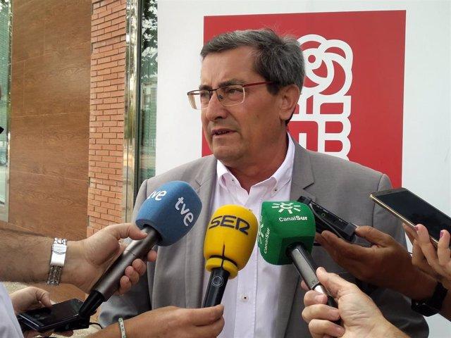 El secretario general del PSOE de Granada, José Entrena