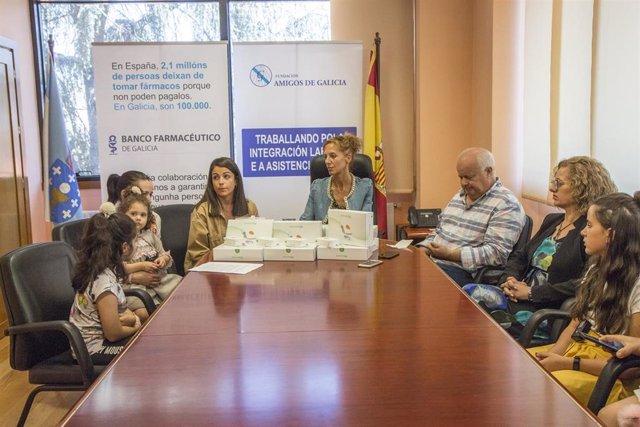 La Fundación Amigos de Galicia consigue un sistema de monitarización de glucosa para una niña de Verín (Ourense).