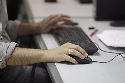 La organización juvenil de UGT denuncia a varias empresas por fraude en la contratación de becarios