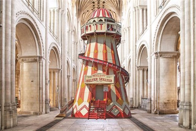 Tobogán en la Catedral de Norwich