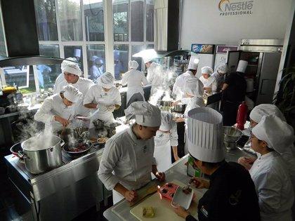 Nestlé globaliza su programa de formación para jóvenes en la industria del Foodservice