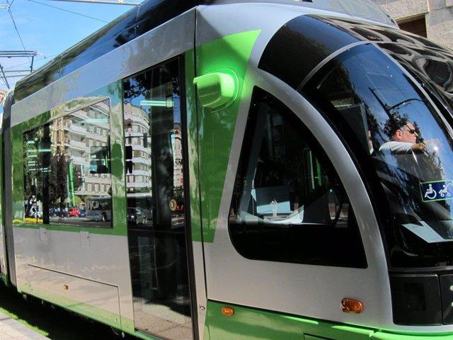 Los viajes en el tranvía de Vitoria durante 'La Blanca' aumentan un 4,9%, con más de 154.000 usos.