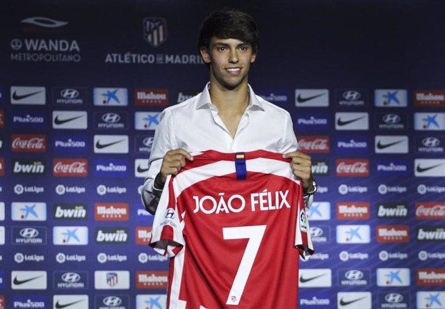 Joao Felix durante su presentación como jugador del Atlético de Madrid