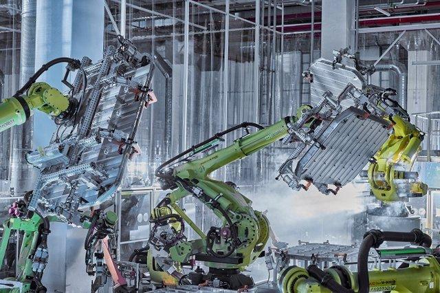 Fabricación de la carcasa de la batería del Audi e-tron con aluminio sostenible