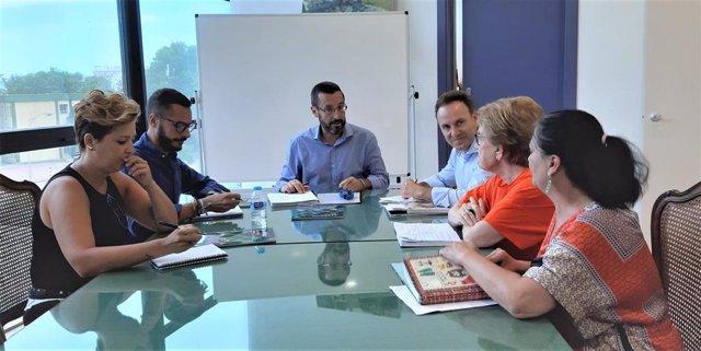 Reunión de responsables municipales de La Línea con otros de Diputación y del grupo Asansull