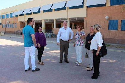 El Ayuntamiento de Sevilla mejora la red de canalizaciones en el colegio Tartessos del distrito Este-Alcosa-Torreblanca