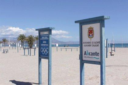 Seis playas de València, tres de Alicante y una de Castelló mantienen banderas rojas por oleaje o mar rizada