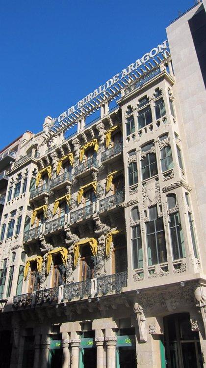 La sede de Caja Rural de Aragón, entre los edificios modernistas más bonitos de España, según Architectural Digest