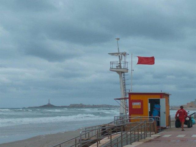 Bandera roja, playa