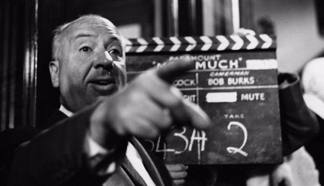 Alfred Hitchcock durante el rodaje de 'El hombre que sabía demasiado', el remake de su película homónima realizado en 1956