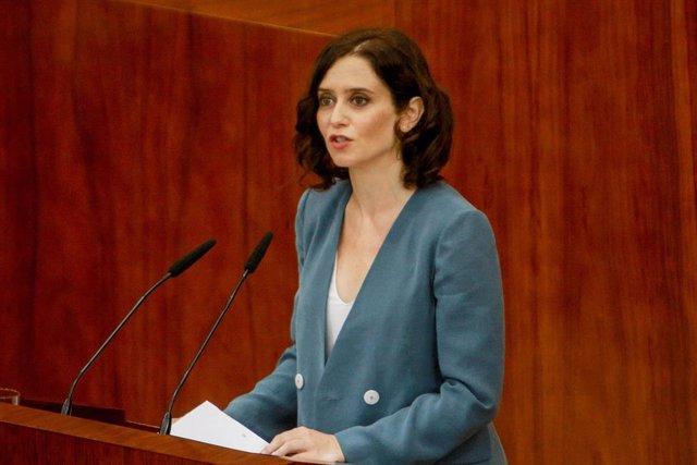 La candidata del PP a la Presidencia de la Comunidad, Isabel Díaz Ayuso, durante su intervención en la primera sesión del segundo pleno de su investidura.