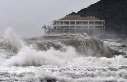 Una tormenta tropical afectará al oeste de Japón en plena época turística