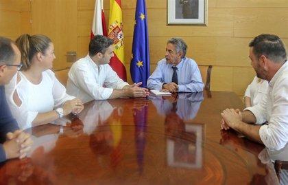 Gobierno y Ribamontán al Monte abordan el proyecto del Centro de Interpretación de La Garma