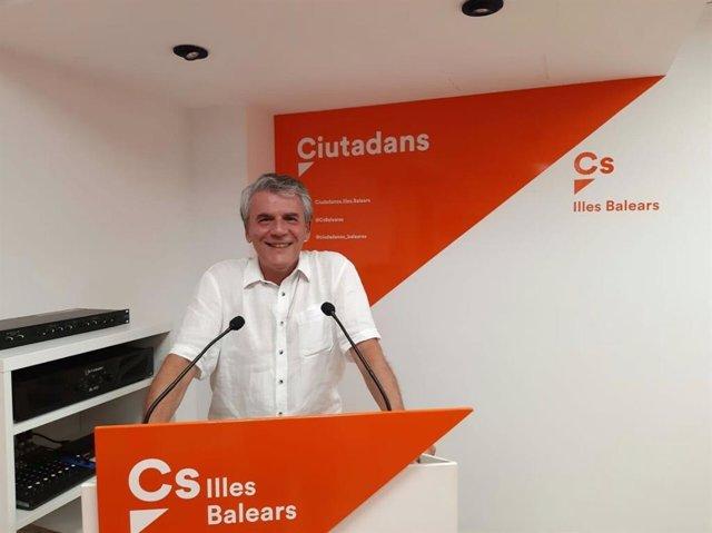 Juan Antonio Guzmán en roda de premsa després de ser nombrat nou coordinador de l'agrupació de Cs Palma.