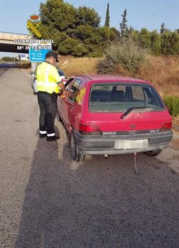 Guardia Civil denuncia dos veces en una hora al mismo conductor por dar positivo en alcoholemia
