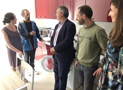 El Principado entrega dos pisos de inclusión social en Lugones