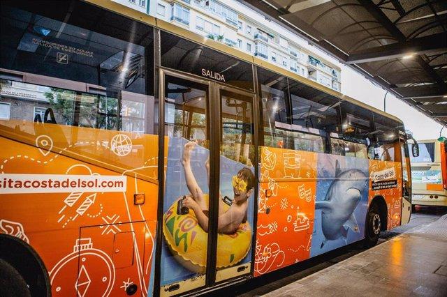 Autobús de la provincia de Málaga que promociona la oferta de ocio de la Costa del Sol